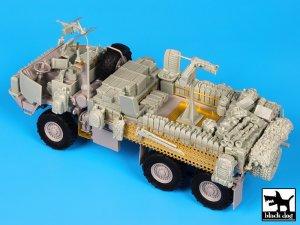M1083 War Pig  (Vista 4)