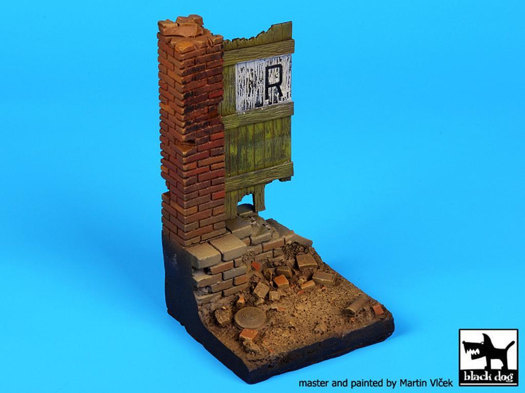 Columna y puerta (Vista 3)