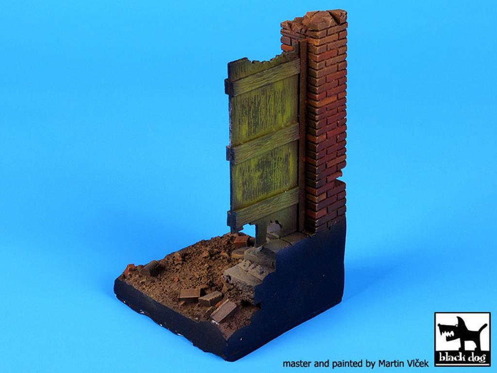Columna y puerta (Vista 4)