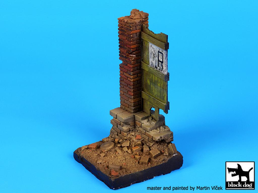 Columna y puerta (Vista 5)