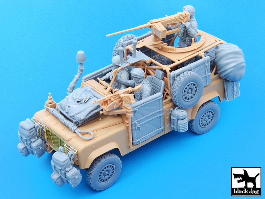 Defender Wolf con tripulación (Vista 1)