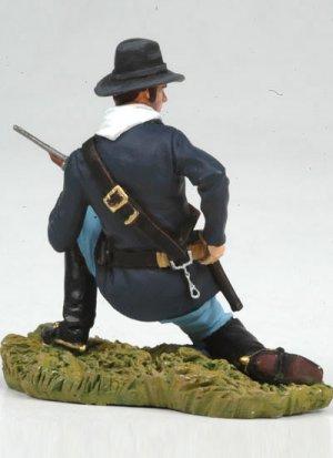 Kneeling US Cavalryman loading carbine  (Vista 3)