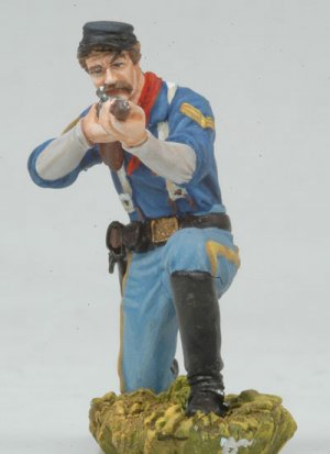 Kneeling US Cavalryman shooting carbine  (Vista 2)