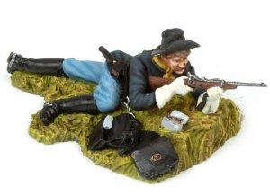 Laid down US Cavalryman shooting carbine  (Vista 3)