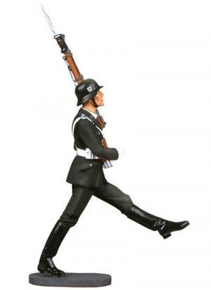 LAH Goose Steping Soldier  (Vista 2)