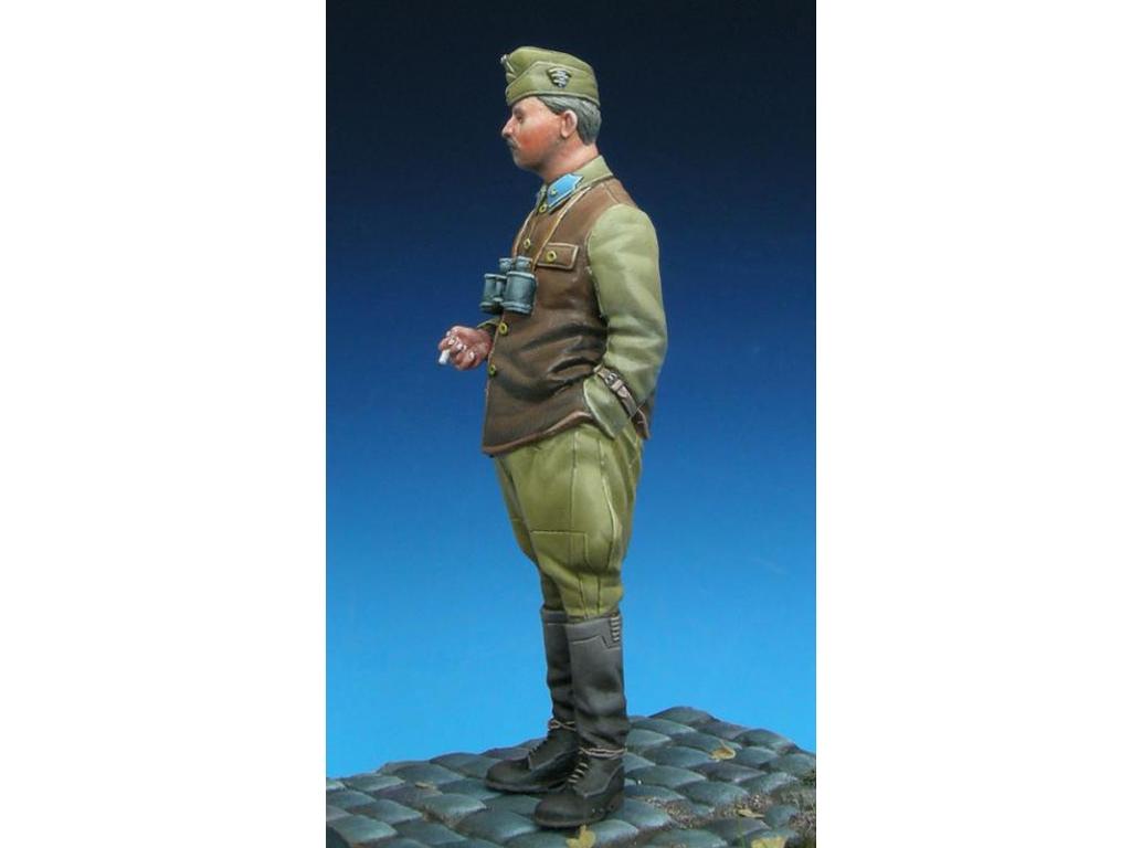Hungarian Panzer Officer  (Vista 4)