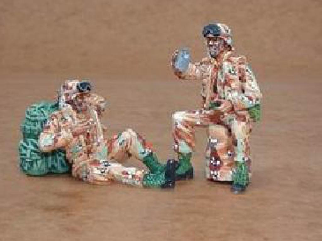 US Army modern soldiers at rest  (Vista 1)