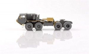 USA M983A2 HEMTT Tractor and Soviet MAZ   (Vista 5)