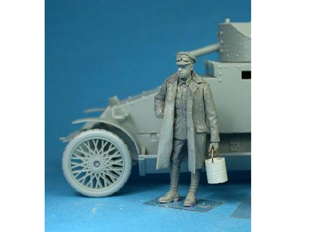 British RNAS Armoured Car Division Crewman with a bucket (Vista 2)