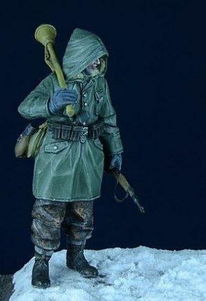 SS Grenadier in Anorak  (Vista 2)