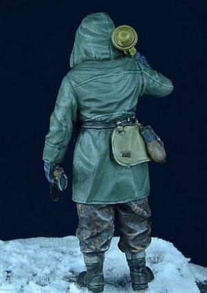 SS Grenadier in Anorak  (Vista 4)