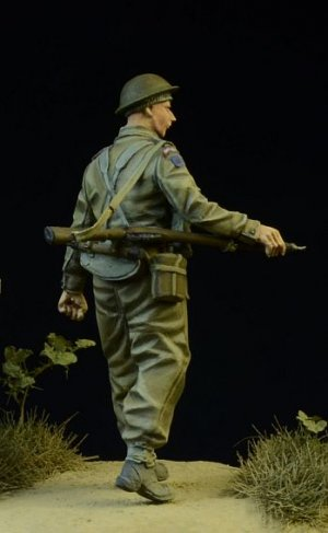 British/Commonwealth Infantryman walking  (Vista 3)