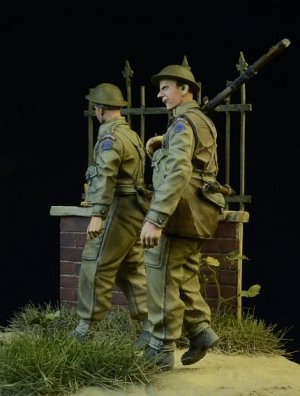 British/Commonwealth Infantry walking 19  (Vista 3)