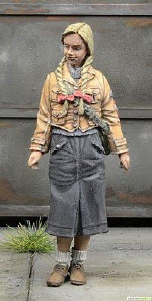 BDM Young Girl Germany 1945  (Vista 4)