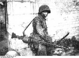 Soldados Alemanes con MG42  (Vista 2)