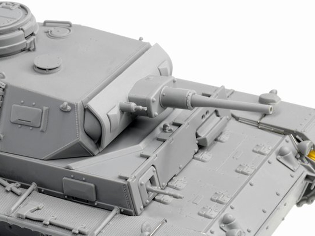 Sd.Kfz.141 Pz. Kpfw.III (5cm) Ausf. H, L  (Vista 3)