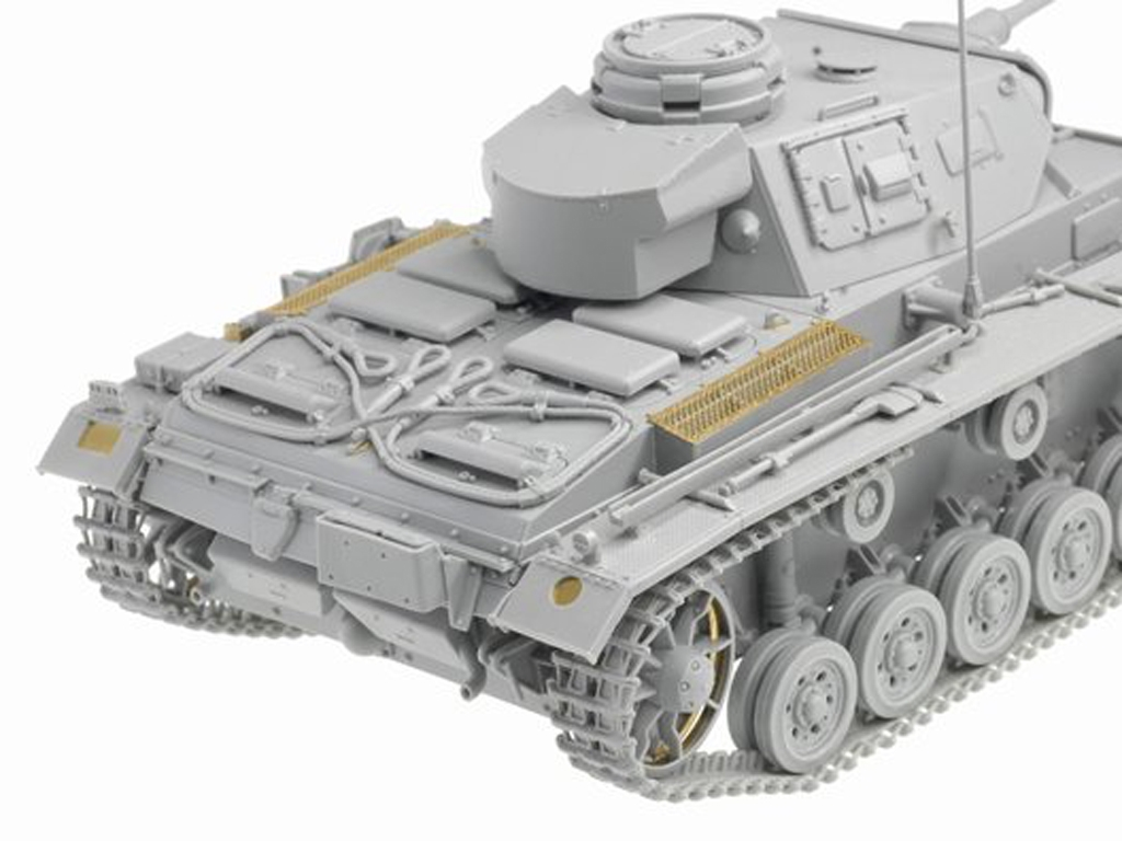 Sd.Kfz.141 Pz. Kpfw.III (5cm) Ausf. H, L  (Vista 4)
