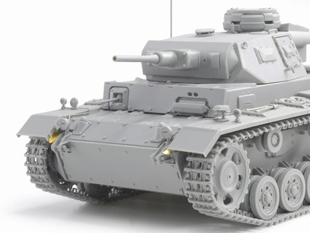 Sd.Kfz.141 Pz. Kpfw.III (5cm) Ausf. H, L  (Vista 5)