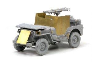 Armored 1/4 Ton 4x4 Truck w/Bazooka  (Vista 2)