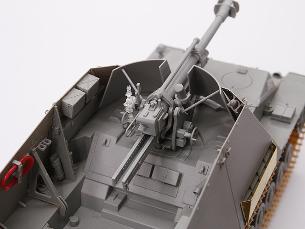 Autopropulsado alemán Sd.Kfz.165 Hummel- (Vista 2)