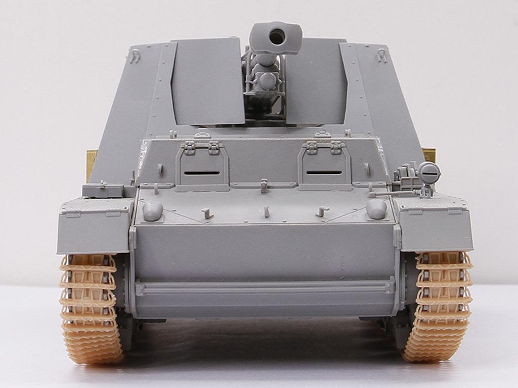 Autopropulsado alemán Sd.Kfz.165 Hummel- (Vista 5)