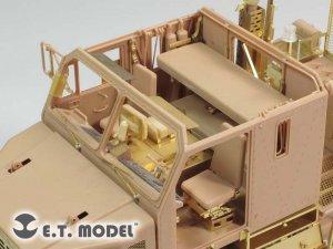 Modern U.S. M1070 Truck Tractor Interior  (Vista 3)