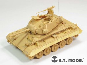 US Light Tank M-24  (Vista 1)