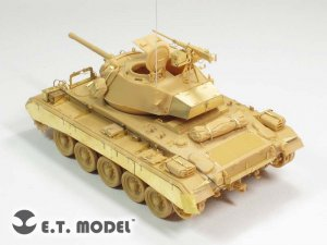 US Light Tank M-24  (Vista 2)