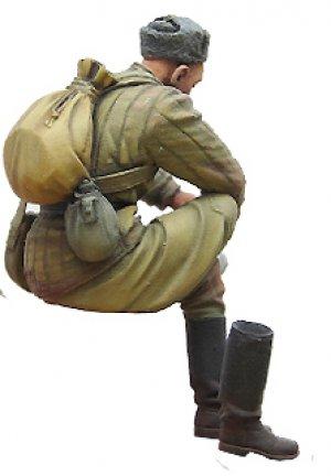 Soviet soldier on rest. WW2  (Vista 3)