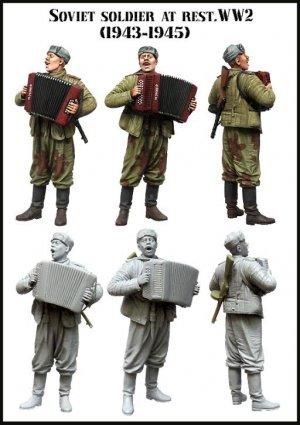 Soldado Sovietico con Acordeon 1932-45  (Vista 2)