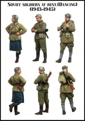 Soldados Sovieticos descansando 1943/45  (Vista 2)