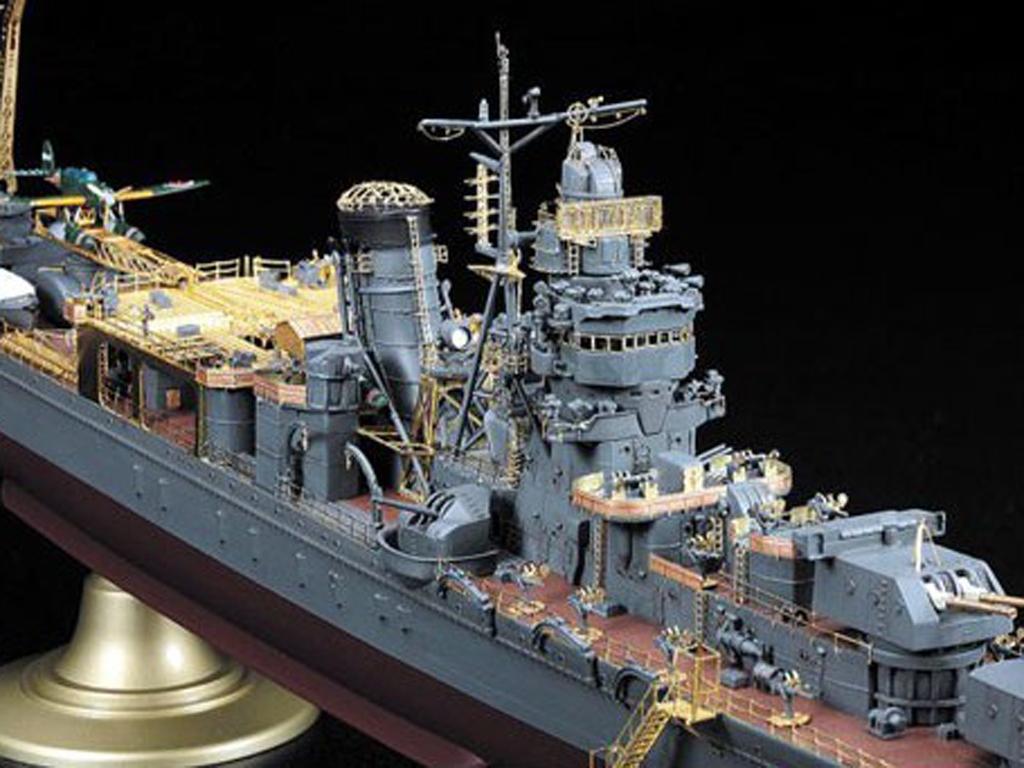 IJN Light Cruiser Yahagi 1945  (Vista 11)