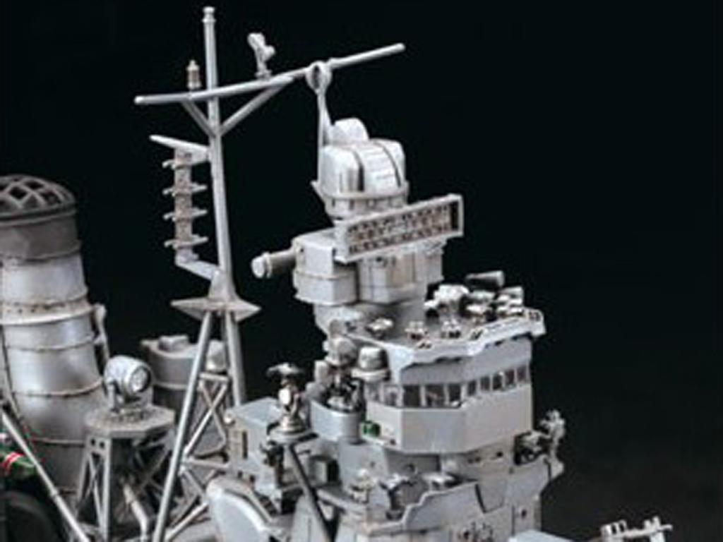 IJN Light Cruiser Yahagi 1945  (Vista 8)