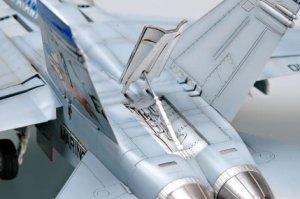 F/A-18D   (Vista 4)