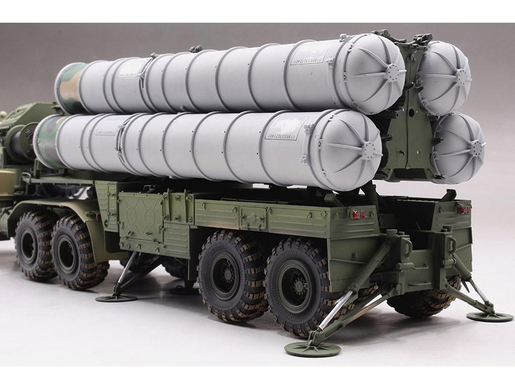 Tractor ruso KrAZ-260B con lanzacohetes  (Vista 10)