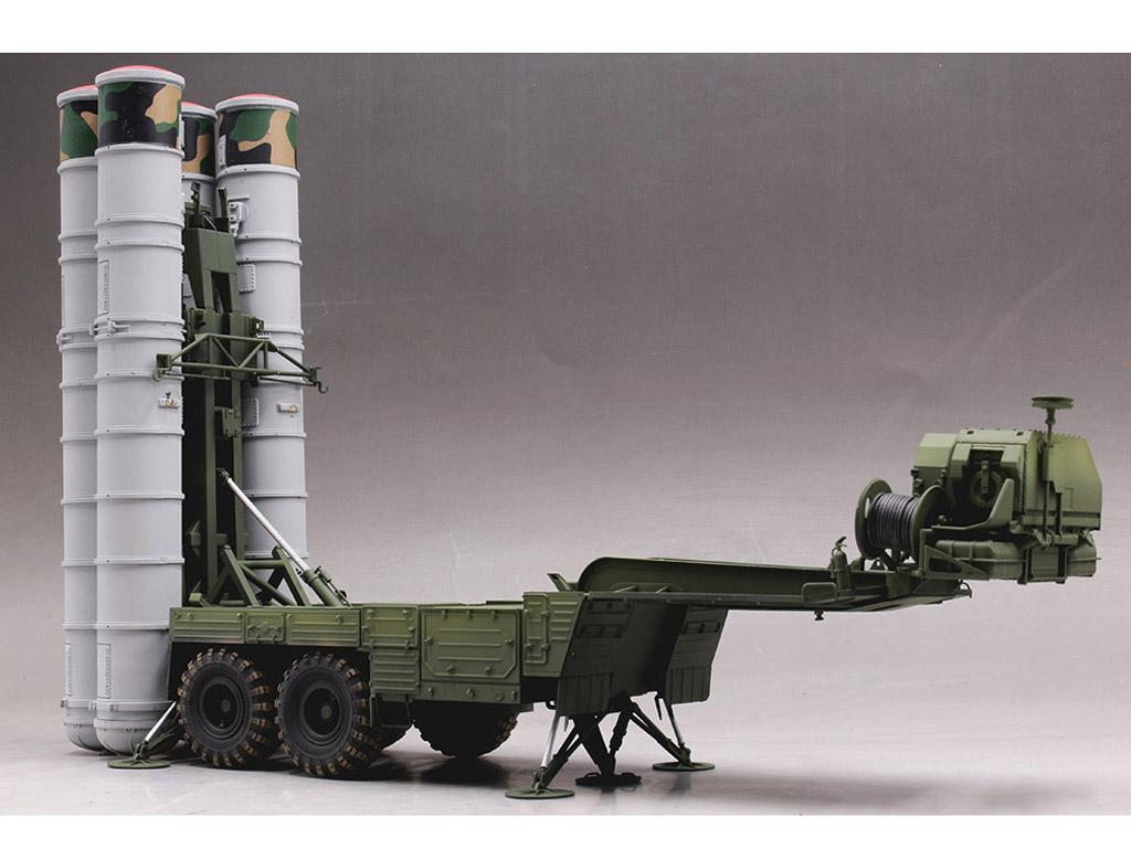 Tractor ruso KrAZ-260B con lanzacohetes  (Vista 2)