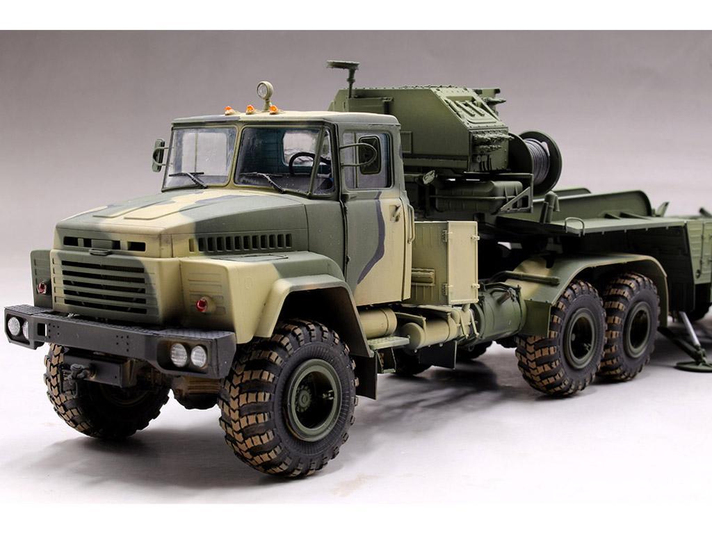 Tractor ruso KrAZ-260B con lanzacohetes  (Vista 8)