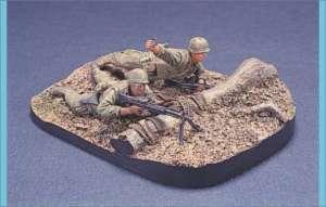 U.S. Marine Gunner & Grenadier w/ base  (Vista 1)