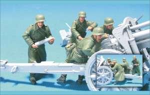 German Eastern Front FH-18 Gun Crew (2)  (Vista 1)