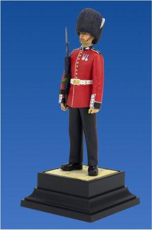 British Grenadier Queen's Guards  (Vista 3)