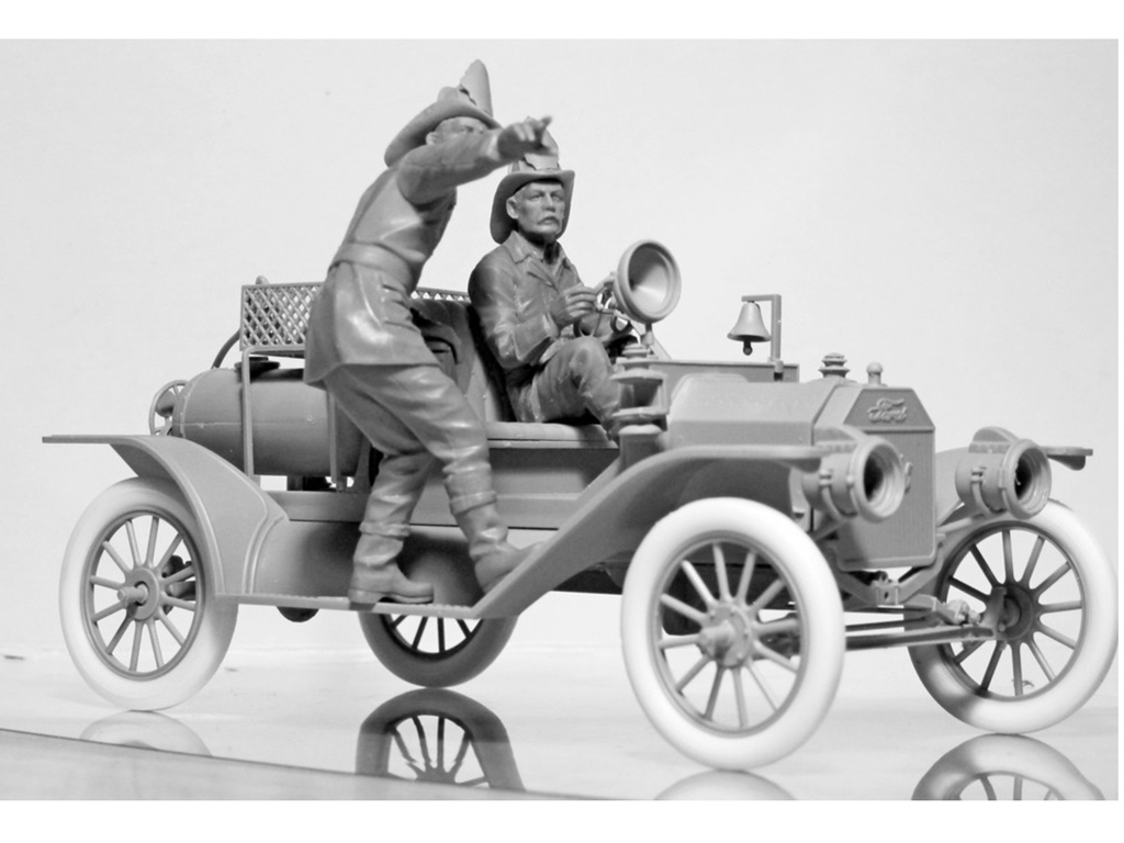 Model T 1914 Fire Truck with Crew   (Vista 10)
