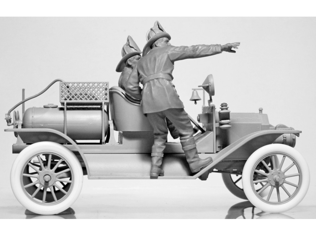 Model T 1914 Fire Truck with Crew   (Vista 11)