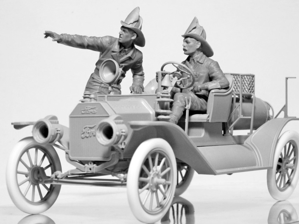 Model T 1914 Fire Truck with Crew   (Vista 7)