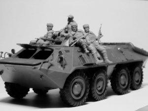 Soldados rusos sobre blindado 1979/1991  (Vista 2)