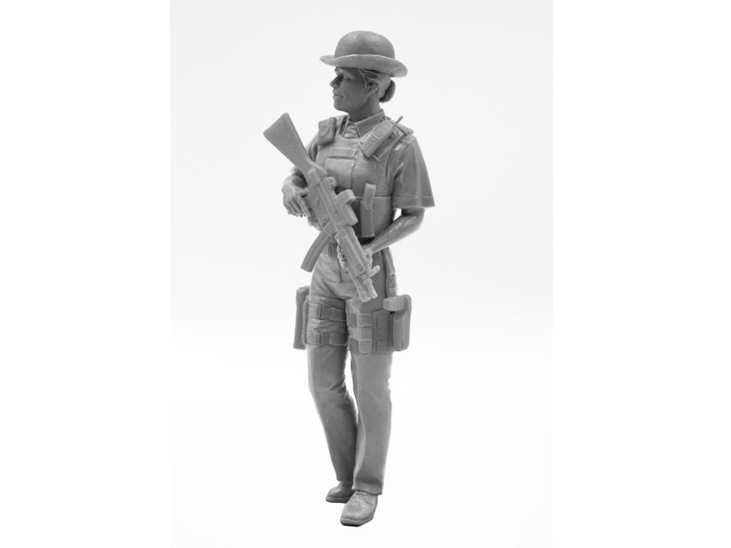 Oficial femenino de la policía británica (Vista 4)