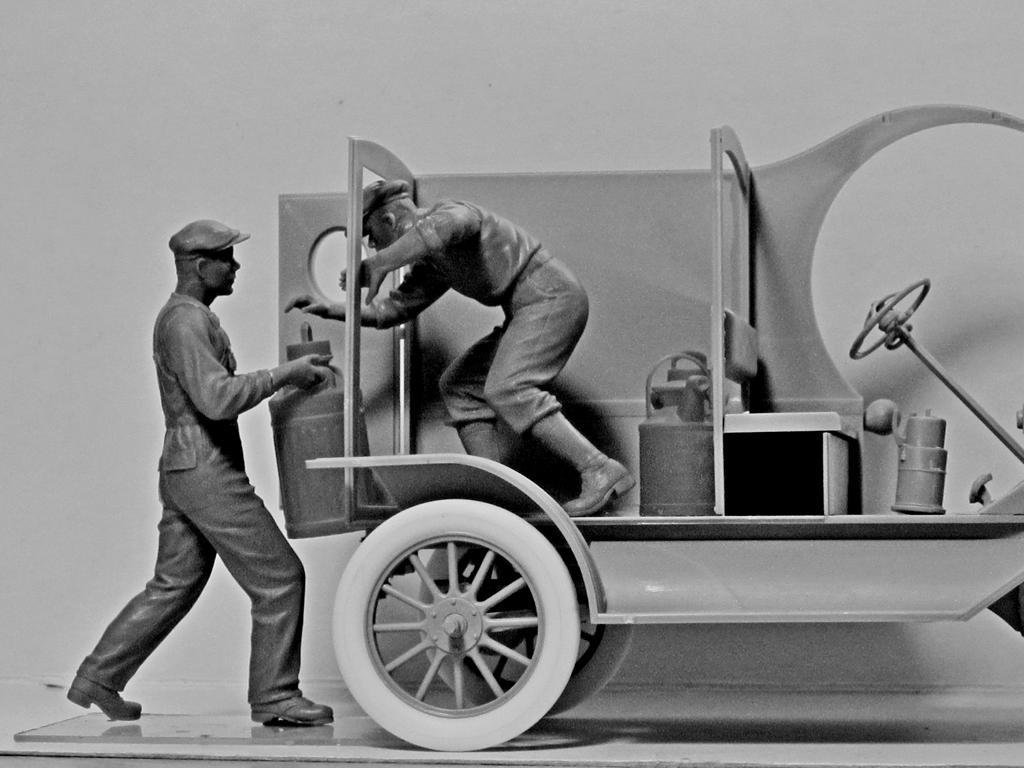 Cargadores de Gasolina Americanos 1910 (Vista 5)