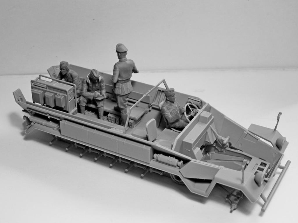 Sd.Kfz.251 / 6 Ausf.A con tripulación (Vista 10)