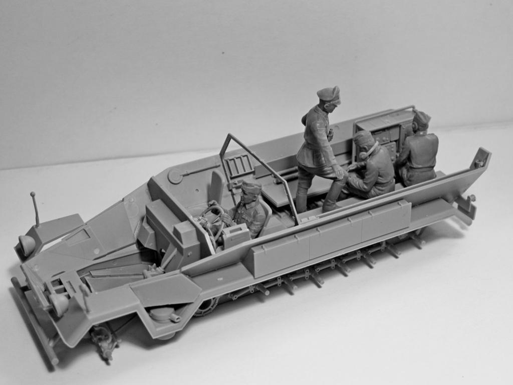Sd.Kfz.251 / 6 Ausf.A con tripulación (Vista 12)