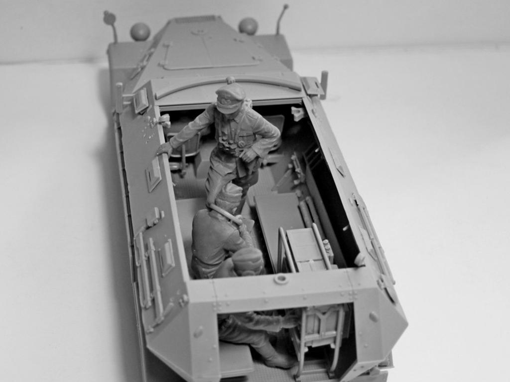 Sd.Kfz.251 / 6 Ausf.A con tripulación (Vista 13)