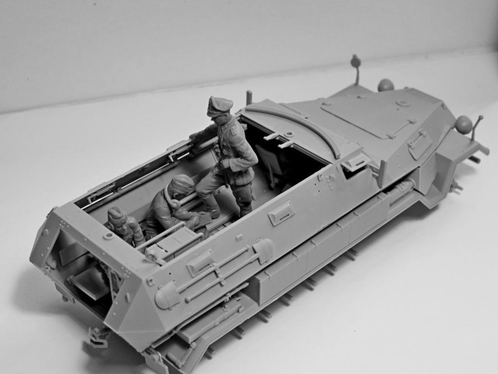 Sd.Kfz.251 / 6 Ausf.A con tripulación (Vista 2)